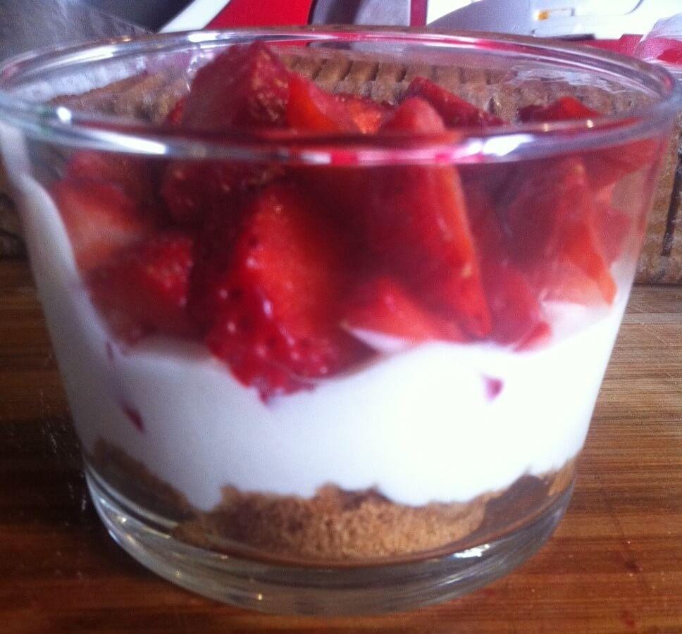 Trifle la fraises et fromage blanc recette az for Az cuisine dessert