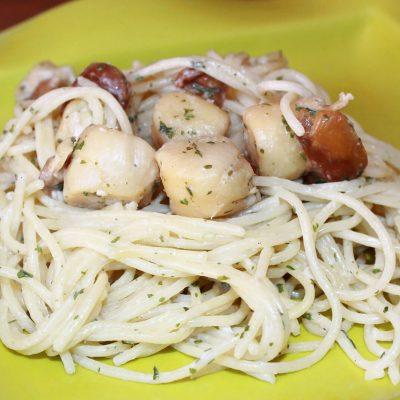 Spaghettis aux Saint-Jacques