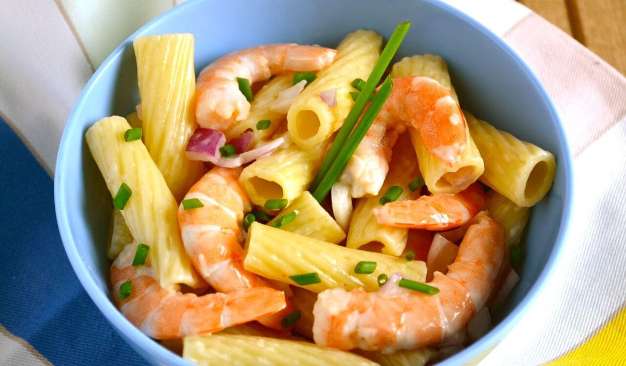 salade de p 226 tes et crevettes recette az