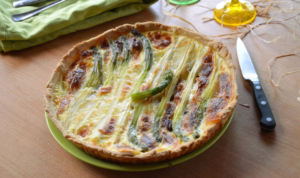 tarte aux asperges recette az. Black Bedroom Furniture Sets. Home Design Ideas