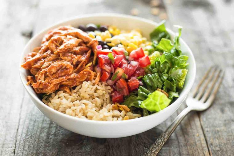 burrito-poulet-legumes-sain-dietetique