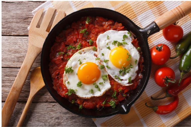 plat-chaud-huevos-rancheros-oeufs