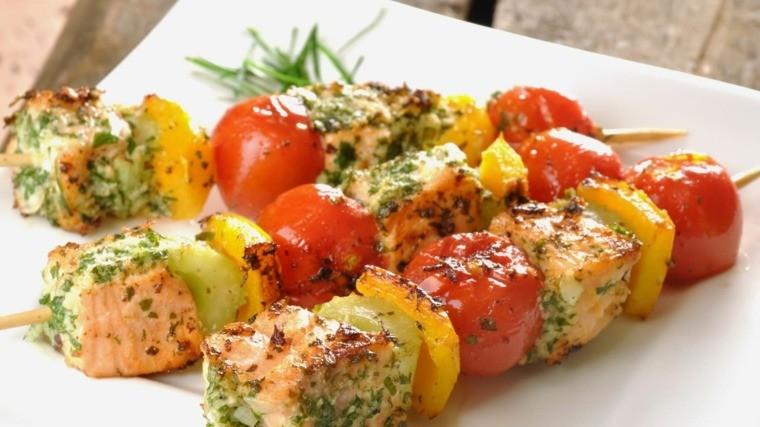 régime méditerranéen saumon-brochette