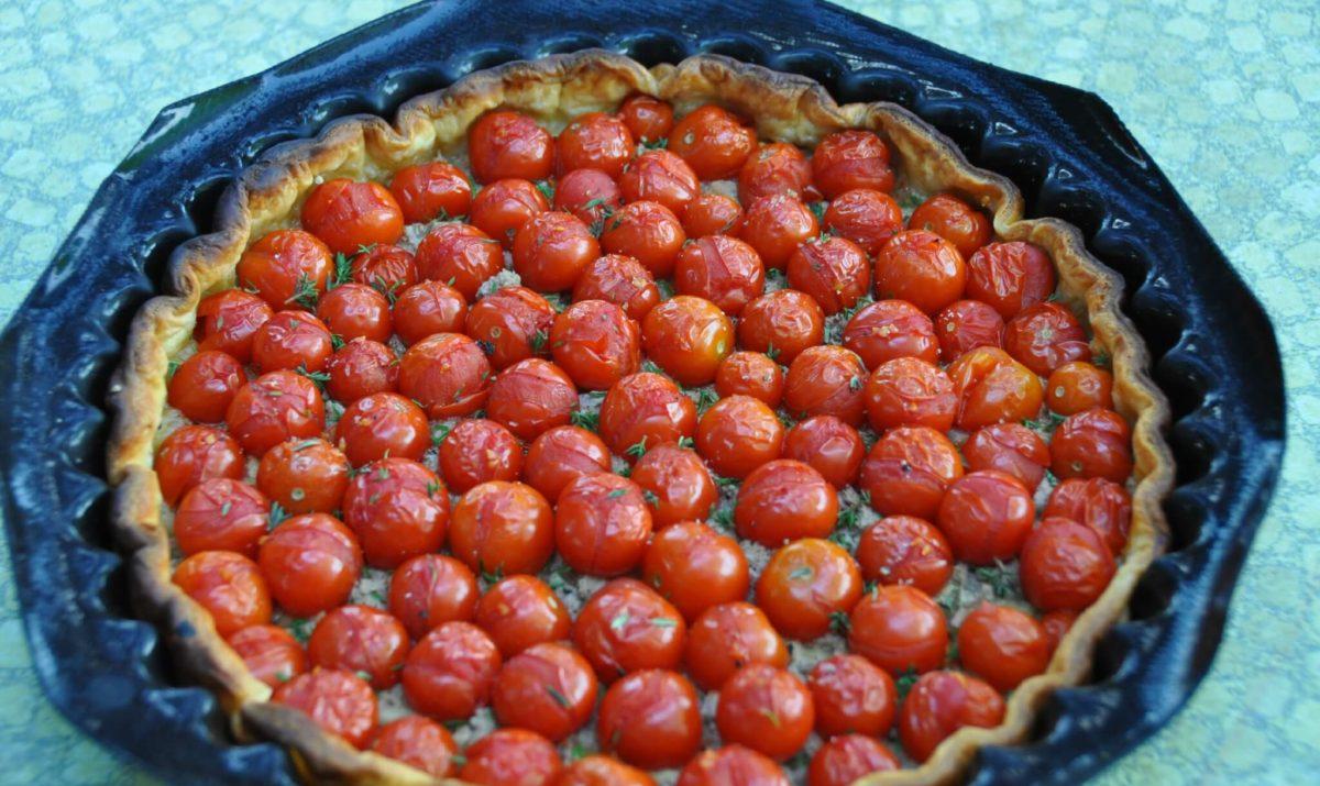 Tarte de tomates cerises au parmesan et basilic