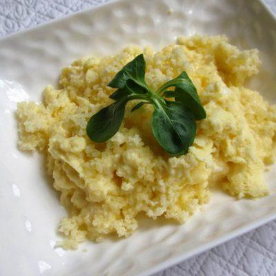 Oeufs brouillés à la patate douce