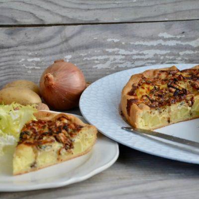 Cette tarte est destinée aux amateurs de sucré/salé. Un vrai délice la douceur de la poire qui se marie parfaitement au roquefort qui relève le goût.