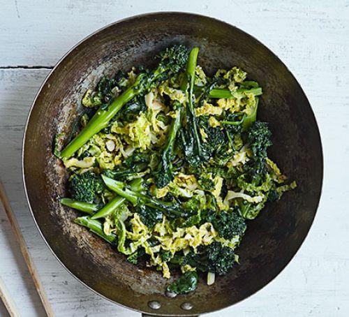 Légumes verts sautés à la sauce de poisson