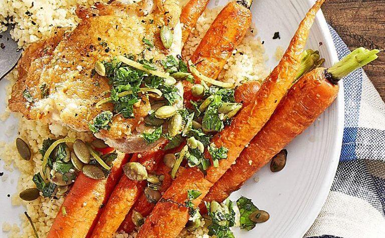 Poulet croustillant avec carottes rôties et couscous