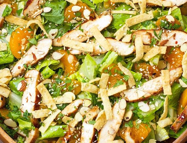 Salade asiatique au sésame et au poulet