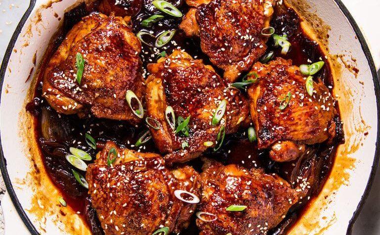 Cuisses de poulet braisées